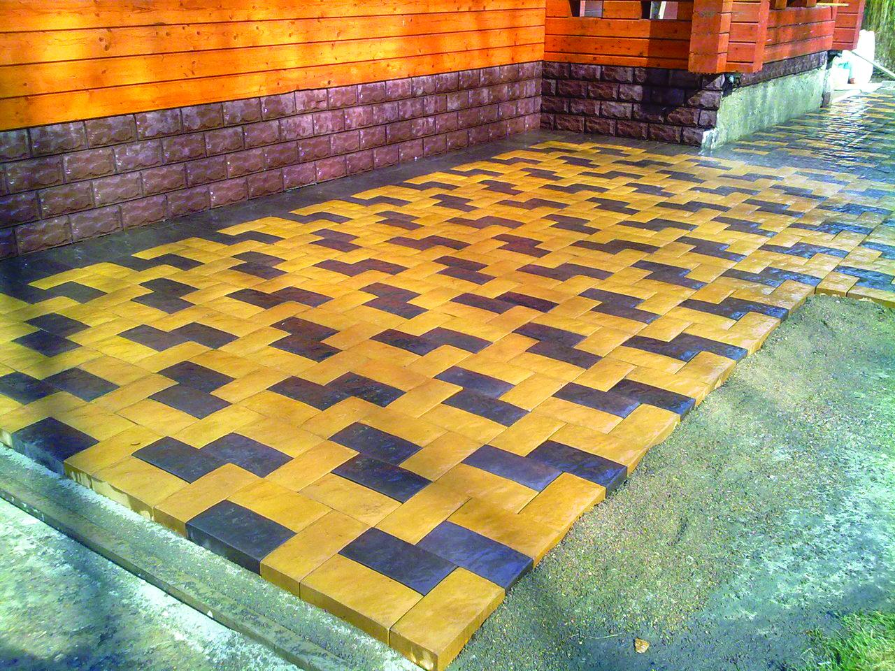 «Английский булыжник»—?изготавливается путем вибрационного литья бетона, похожа на коричневый или темно-серый натуральный камень, придает завершенность брутальным иромантическим архитектурным проектам.