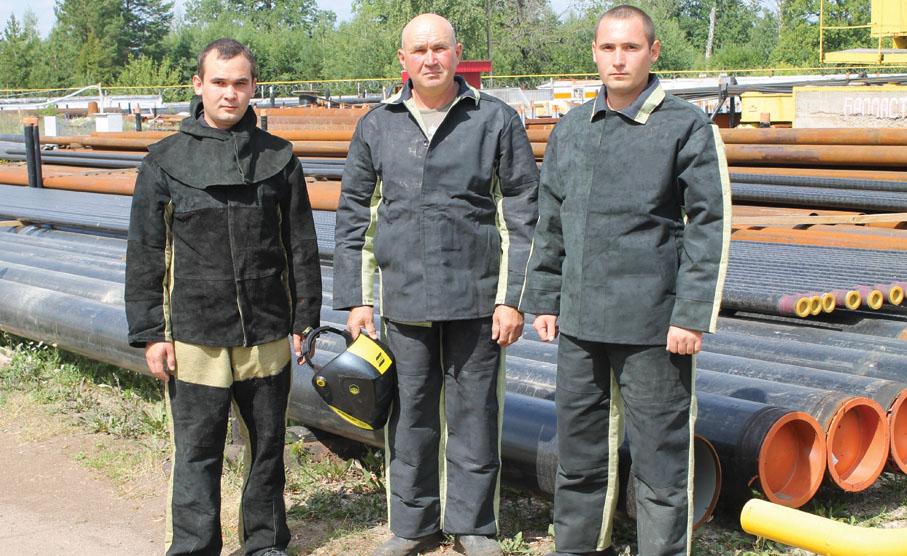 Ринат Ахметов с сыновьями Айратом иБулатом